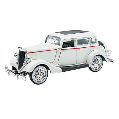 New Ray Toys 1/32 1934 Ford Deluxe Fordor