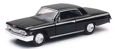 New-Ray 1/24 1962 Chevrolet Impala SS Car (Die Cast)