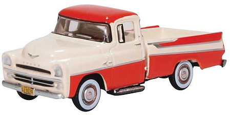 Oxford 1957 Dodge D100 Sweptside Pick Up - Assembled Tropical Coral, Ivory