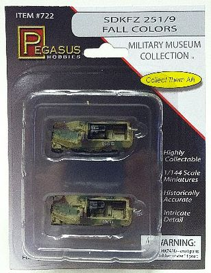 Pegasus Hobbies SdKfz 251/9 Halftrack Camo (2) (Assembled) -- Plastic Model Military Vehicle -- 1/144 Scale -- #722