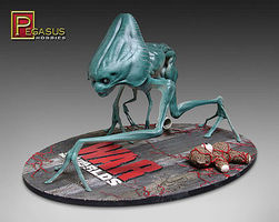 Pegasus WoW Alien Creature Pre-Finished Science Fiction Plastic Model Kit 1/8 Scale #9907