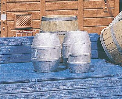 Pola Beer Barrels (4 Pack) G Scale Model Railroad Building Accessory #333202