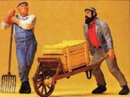 Preiser Workers with Wheelbarrow & Pitchfork Model Railroad Figures G Scale #45020