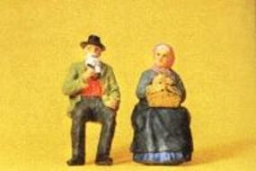 Preiser Elderly Farmer Seated with Wife Model Railroad Figures G Scale #45045