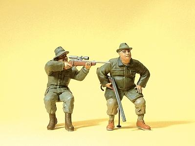 Preiser Huntsmen Seated Carrying Rifles Model Railroad Figures G Scale #45137