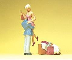 Preiser Man Meeting Woman at the Station Model Railroad Figures 1/32 Scale #63092