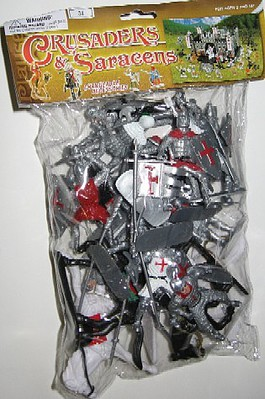 Playsets 1/32 Crusader Knights Figure Playset (16 w/Weapons & 4 Horses) (Bagged)