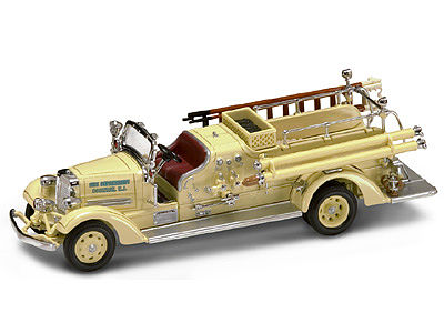 Road-Legends 1938 Ahrens Fox VC Fire Engine Truck Diecast Model Truck 1/43 Scale #43003