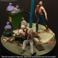 Royal-Model 1/35 Night of the Living Dead Diorama ( 2 Zombies, Dead Man, Base) (Resin) (New Tool)
