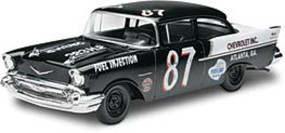 Revell-Monogram 57 CHEVY BLACK WIDOW 2n1-25
