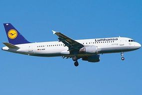 Revell-Germany Airbus A320 Lufthansa Plastic Model Airplane Kit 1/144 Scale #04267