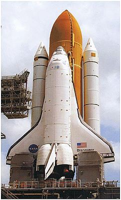 Revell of Germany Space Shuttle Discovery with Booster Rocket -- Space Program Plastic Model -- 1/144 Scale -- #04736