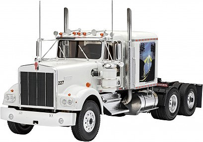 Revell-Germany 1/25 Kenworth W900 Tractor Cab (New Tool)