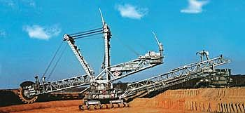 Revell of Germany Bucket Wheel Excavator -- Plastic Model Tractor -- 1/200 Scale -- #08813