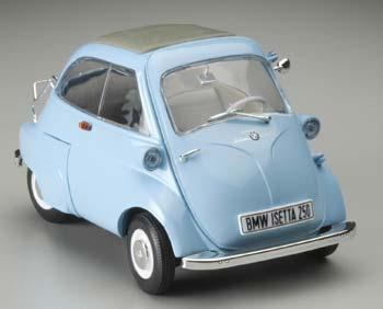 revell germany 1 18 bmw isetta 250 light blue 08820. Black Bedroom Furniture Sets. Home Design Ideas