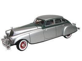 Sig 1933 Pierce-Arrow Silver Arrow Car (Silver) Diecast Model Ca 1/18 Scale #18136
