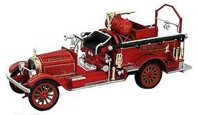Sig 1921 American LaFrance Fire Truck (Red) Diecast Model Truck 1/32 Scale #32371r