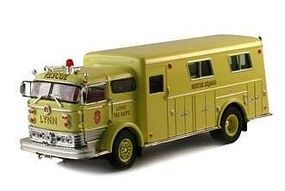 Sig 1960 Mack C Rescue Box Truck (Yellow) Diecast Model Truck 1/50 Scale #32425ylw