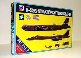 Skywave B52G & Rockwell B1B, Lift Truck & Flight Crew Vehicle Plastic Model Airplane Kit 1/700 #s3