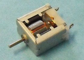 Stevens-Motors 3 to 12v DC Small Electric Hobby Motor (Flat Sides)