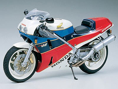 Tamiya Honda VFR750R Bike -- Plastic Model Motorcycle Kit -- 1/12 Scale -- #14057