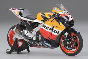 Tamiya Repsol Honda RC211V 2006 Bike Plastic Model Motorcycle Kit 1/12 Scale #14106