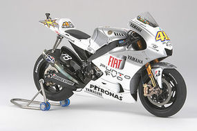 Tamiya YZR-M1 2009 Fiat Yamaha Team Estoril Bike Plastic Model Motorcycle Kit 1/12 Scale #14120
