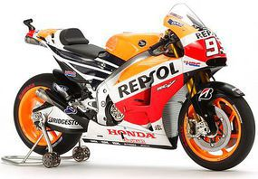 Tamiya Repsol Honda RC213V14 Plastic Model Motorcycle Kit 1/12 Scale #14130
