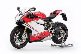 Tamiya Ducati 1199 Panigale S Tricolore Plastic Model Motorcycle Kit 1/12 Scale #14132