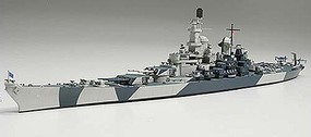 Tamiya USS IOWA BB-61 Battleship Boat Plastic Model Military Ship kit 1/700 Scale #31616