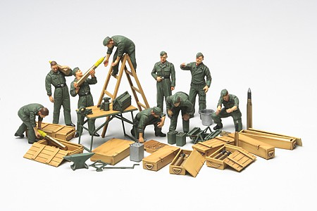 Tamiya WWII German Tank Crew Field Maint Set -- Plastic Model Military Figure Kit -- 1/48 Scale -- #32547