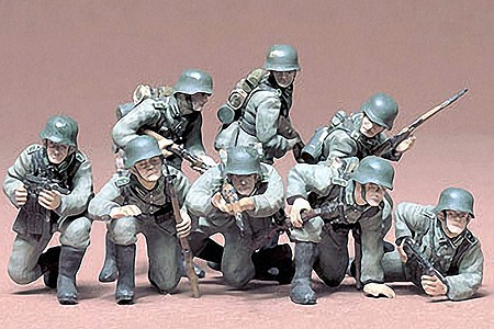 Tamiya German Panzer Grenadiers Soldiers -- Plastic Model Military Figure Kit -- 1/35 Scale -- #35061