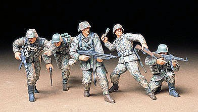 Tamiya German Front Line Infantry Soldier Set Plastic Model Military Figure Kit 1/35 Scale #35196