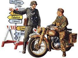 Tamiya German Motorcycle Orderly Soldier Set Plastic Model Military Figure Kit 1/35 Scale #35241