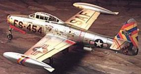 Tamiya Republic F-84G Thunderjet fighter-bomber Plastic Model Airplane Kit 1/72 Scale #60745