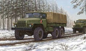 Trumpeter Russian URAL-4320 Truck Plastic Model Military Vehicle Kit 1/35 Scale #1012