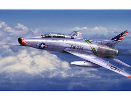 Trumpeter F100C Super Sabre Fighter Aircraft Plastic Model Airplane Kit 1/72 Scale #1648