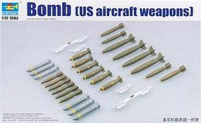 Trumpeter US Aircraft Weapons Set Bombs (26) Plastic Model Military Diorama 1/32 Scale #3307