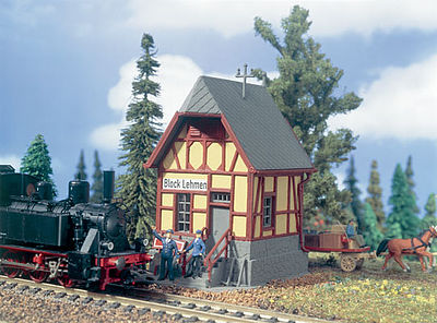Busch 43606 Grill Place w//Cottage Kit HO Scale Model