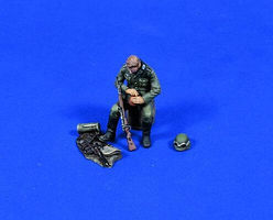 Verlinden German Soldier Resting Resin Model Military Figure Kit 1/35 Scale #0662