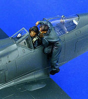 Verlinden Luftwaffe Pilots & Crewman Resin Model Military Figure Kit 1/48 Scale #1374