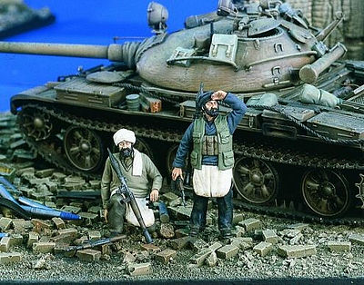 Verlinden Productions Taliban Soldiers (2) -- Resin Model Military Figure Kit -- 1/35 Scale -- #1826