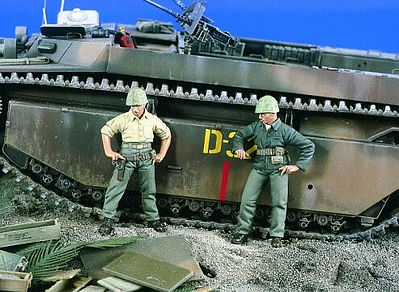 Verlinden Productions WWII Marines Checking Out (2) -- Resin Model Military Figure Kit -- 1/35 Scale -- #1871