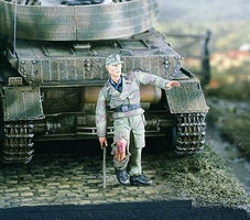 Verlinden German Tanker Wounded (1) Resin Model Military Figure Kit 1/35 Scale #2344