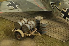Verlinden Luftwaffe Fuel Drum Trailer with 4 Drums Plastic Model Aircraft Accessory 1/32 Scale #2742