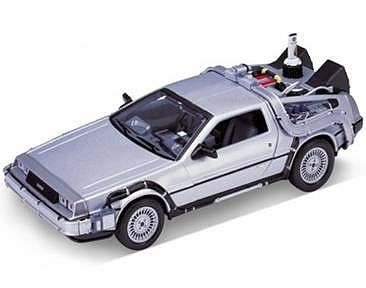Welly Diecast Factory DeLorean Time Machine Back To The Future II (Met. Silver) -- Diecast Model -- 1/24 scale -- #22441