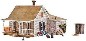 Woodland Old Homestead w/Lights - Built & Ready Landmark Structures(R) Assembled - 6-3/4 x 9-13/16 x 5-1/8 17.1 x 24.9 x 13cm - O-Scale