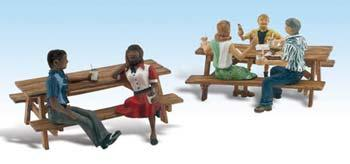 Woodland Scenics Outdoor Dining -- N Scale Model Railroad Figure -- #a2214