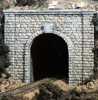 Cut Stone Single Portal HO Scale Model Railroad Tunnel #c1253