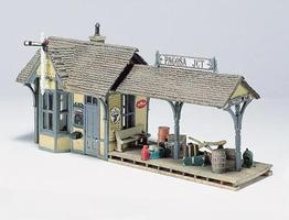 Woodland Scenic Details Flag Depot Kit HO Scale Model Railroad Building #d239